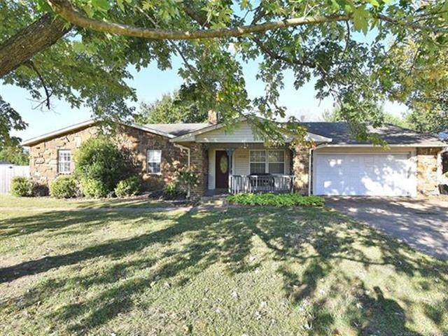 14028 S 297 East Avenue, Coweta, OK 74429 (MLS #2036350) :: Active Real Estate