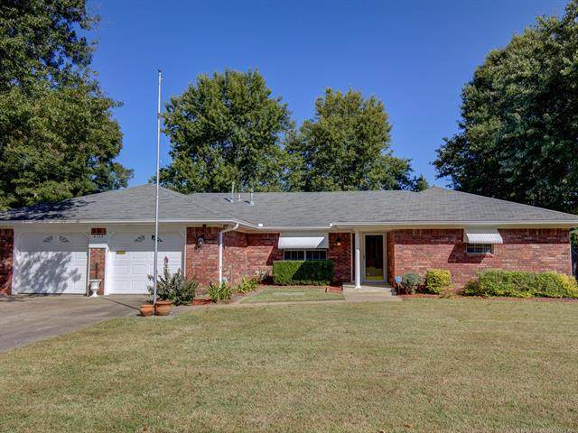 8733 E 7th Street, Tulsa, OK 74112 (MLS #2036494) :: Active Real Estate