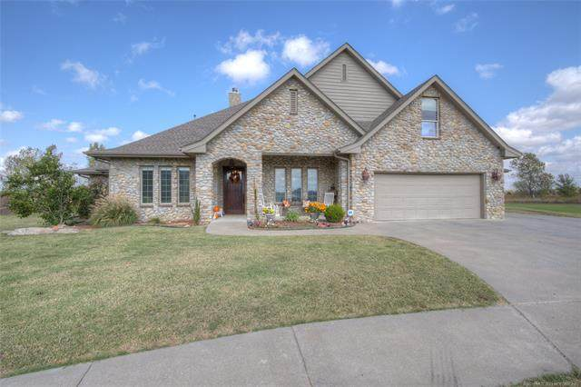 228 Pepper Grass Court, Bartlesville, OK 74006 (MLS #2036556) :: Hometown Home & Ranch