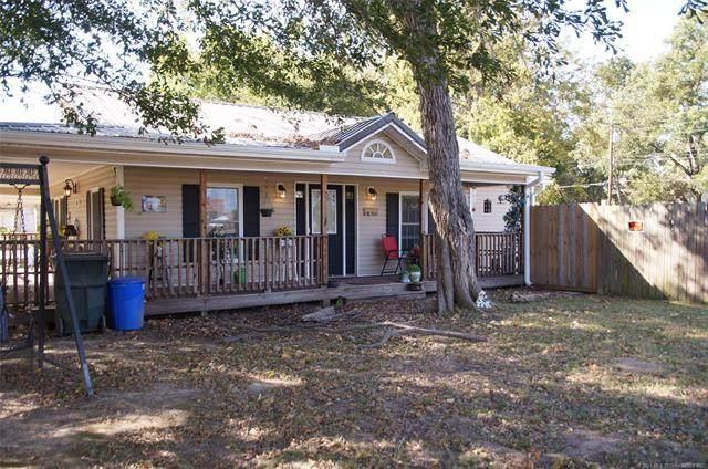 805 W 8th Street, Okmulgee, OK 74447 (MLS #2037603) :: RE/MAX T-town