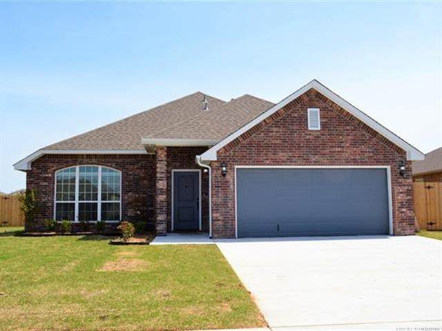 4015 S 211th Place, Broken Arrow, OK 74014 (MLS #2038051) :: 918HomeTeam - KW Realty Preferred