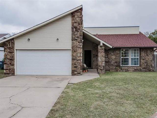 13321 E 33rd Place, Tulsa, OK 74134 (MLS #2038106) :: Hometown Home & Ranch