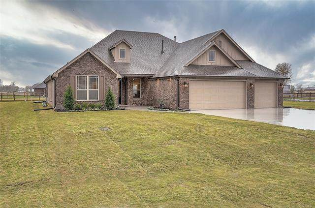 5645 E 142nd Street North, Collinsville, OK 74021 (MLS #2038304) :: Hometown Home & Ranch