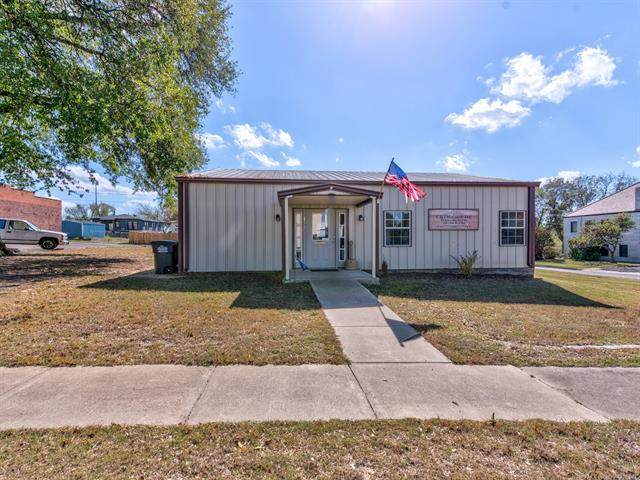 144 W 6th Avenue, Bristow, OK 74010 (MLS #2038551) :: RE/MAX T-town