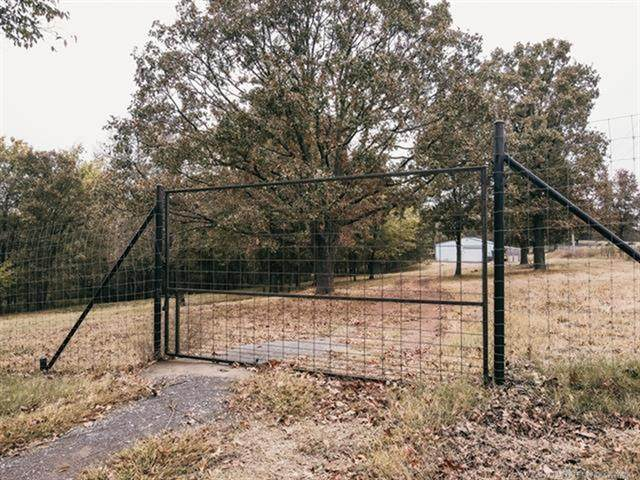 82 W 420 Road, Pryor, OK 74016 (MLS #2038654) :: Hometown Home & Ranch