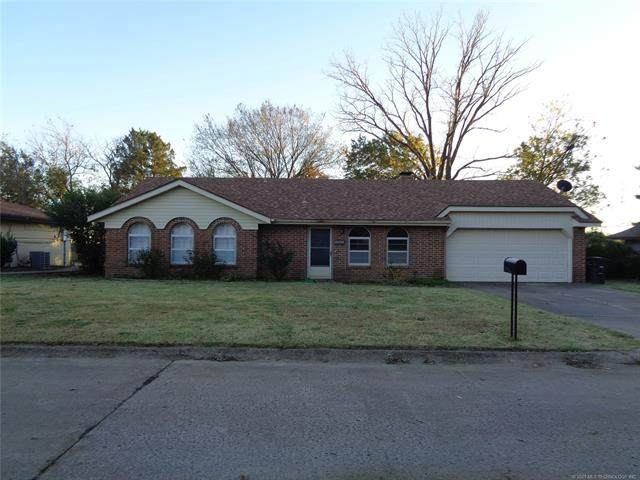 3717 Dana Drive, Bartlesville, OK 74006 (MLS #2038948) :: RE/MAX T-town