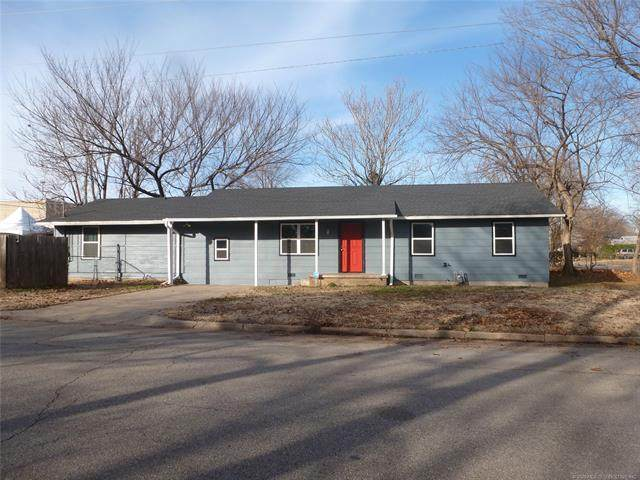 1111 W 24th Street, Tulsa, OK 74107 (MLS #2039165) :: 918HomeTeam - KW Realty Preferred