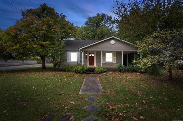 1105 E 38th Place, Tulsa, OK 74105 (MLS #2039207) :: Hopper Group at RE/MAX Results