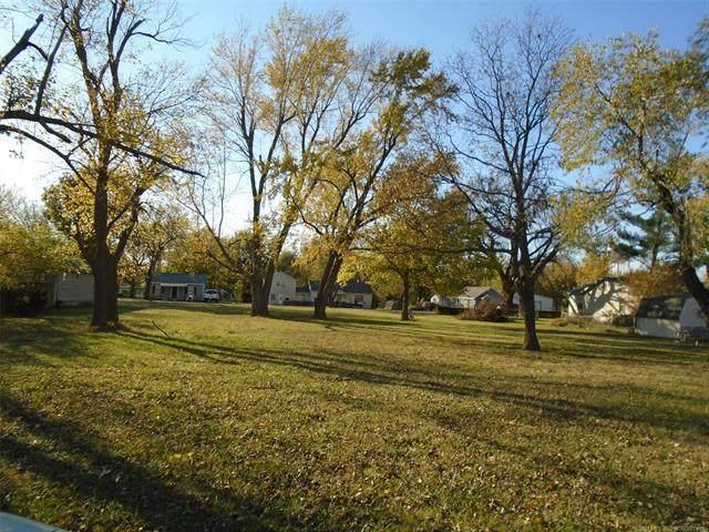 N Ora Street, Pryor, OK 74361 (MLS #2039933) :: Owasso Homes and Lifestyle