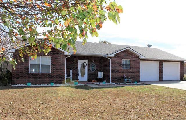 95 Quail Ridge Street, Ardmore, OK 73401 (MLS #2040004) :: Hometown Home & Ranch