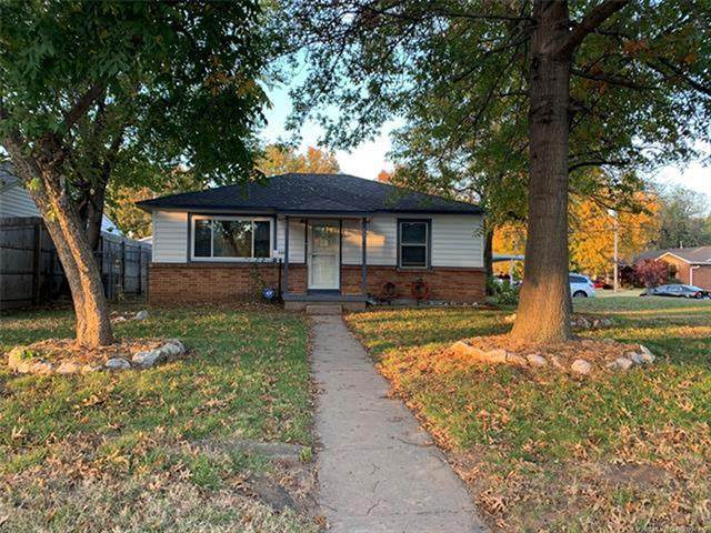 337 E 45th Place, Tulsa, OK 74105 (MLS #2040415) :: Active Real Estate