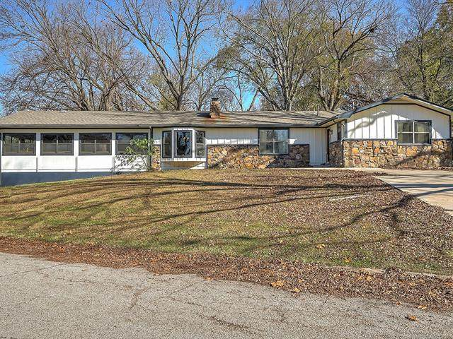 805 Apple Drive, Grove, OK 74344 (MLS #2041232) :: Hopper Group at RE/MAX Results