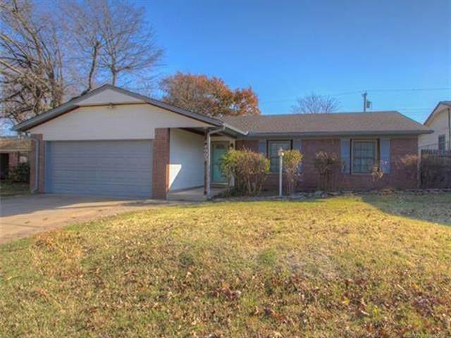 4903 Redbud Drive, Sand Springs, OK 74063 (MLS #2041723) :: 918HomeTeam - KW Realty Preferred