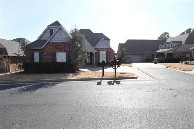 8414 E 99th Place, Tulsa, OK 74133 (MLS #2041817) :: Hopper Group at RE/MAX Results