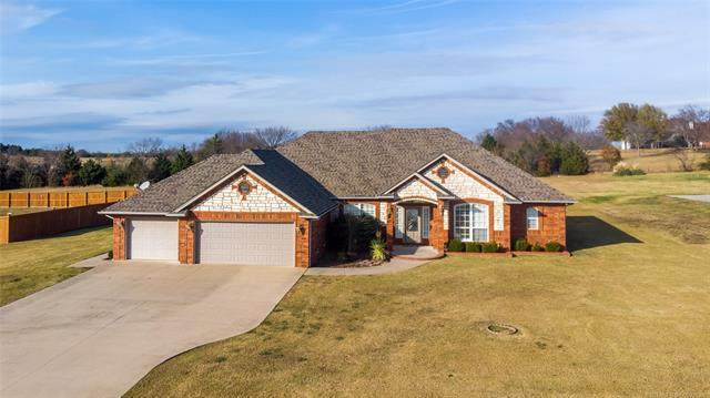 4113 Rolling Hills Drive, Ardmore, OK 73401 (MLS #2042183) :: Hopper Group at RE/MAX Results