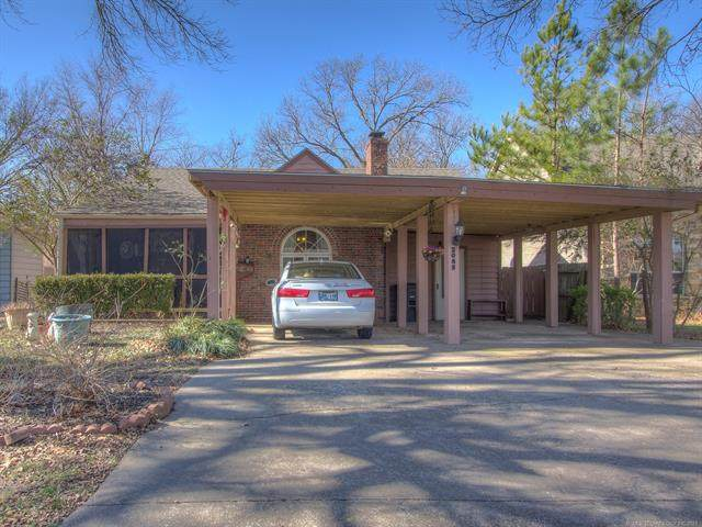 2085 S Osage Avenue, Bartlesville, OK 74003 (MLS #2042554) :: Active Real Estate