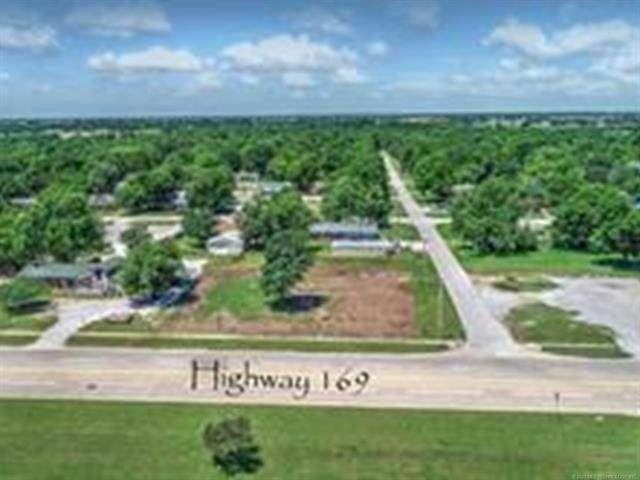 205 S Elm Street, Oologah, OK 74053 (MLS #2042568) :: Hopper Group at RE/MAX Results