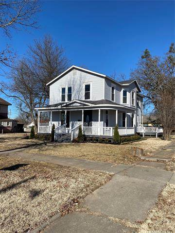 202 W 4th Street, Claremore, OK 74017 (MLS #2043409) :: Hopper Group at RE/MAX Results