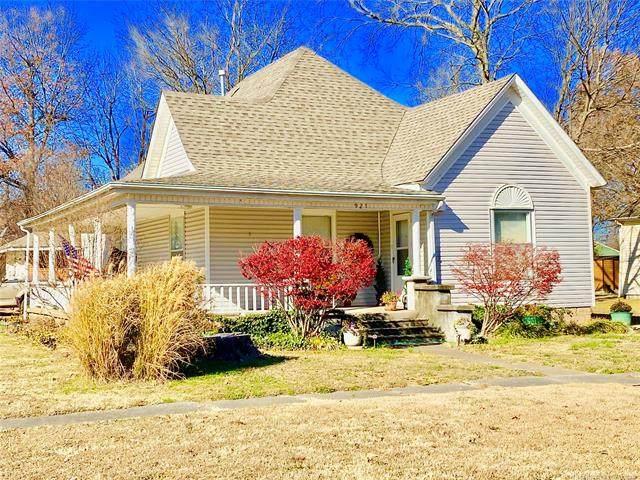 921 Vine Street, Chelsea, OK 74016 (MLS #2043434) :: Active Real Estate