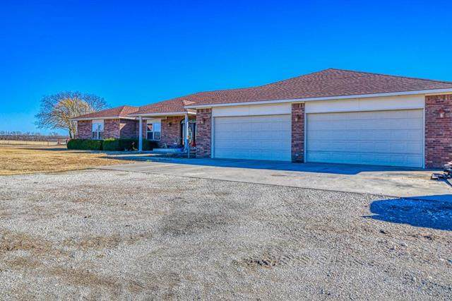 1216 Baker Road, Sulphur, OK 73086 (MLS #2043520) :: 918HomeTeam - KW Realty Preferred
