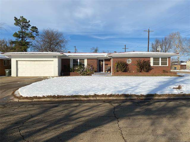 848 E 6th Street, Cushing, OK 74023 (MLS #2044522) :: Hopper Group at RE/MAX Results