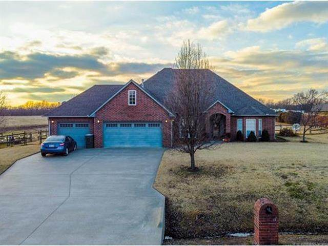 22454 Riverwood Court, Claremore, OK 74019 (MLS #2100666) :: Hopper Group at RE/MAX Results
