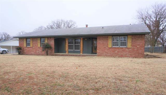 1210 Wade Wells Drive, Henryetta, OK 74437 (MLS #2100746) :: 918HomeTeam - KW Realty Preferred