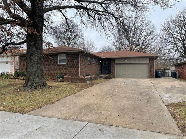2046 S 74th East Avenue, Tulsa, OK 74112 (MLS #2100772) :: Hopper Group at RE/MAX Results