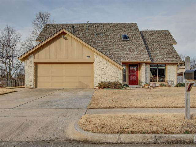 8304 S 4TH Street, Broken Arrow, OK 74011 (MLS #2101651) :: Hopper Group at RE/MAX Results
