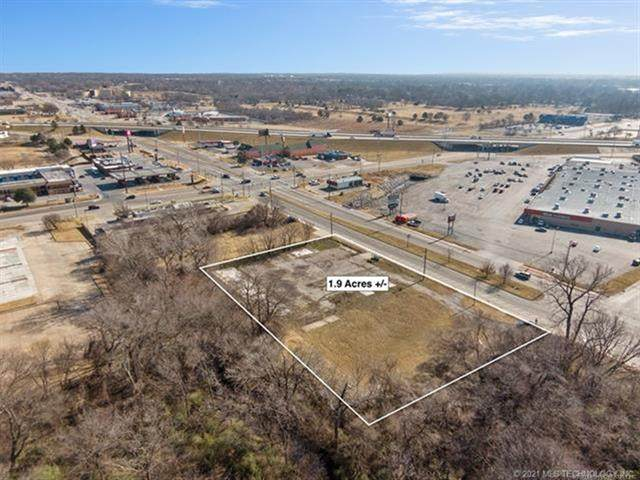 11017 E 11th Street, Tulsa, OK 74128 (MLS #2102372) :: Hopper Group at RE/MAX Results