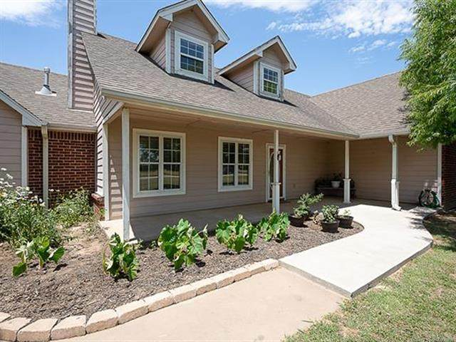 11990 S Bridle Lane, Oologah, OK 74053 (MLS #2104571) :: Hopper Group at RE/MAX Results