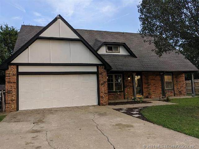 8325 N 120th East Avenue, Owasso, OK 74055 (#2104600) :: Homes By Lainie Real Estate Group