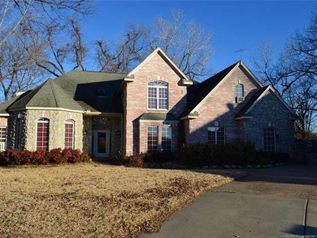 2500 W 66th Place, Tulsa, OK 74132 (MLS #2104883) :: 918HomeTeam - KW Realty Preferred