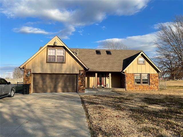 12241 N 170th East Avenue, Collinsville, OK 74021 (#2105247) :: Homes By Lainie Real Estate Group
