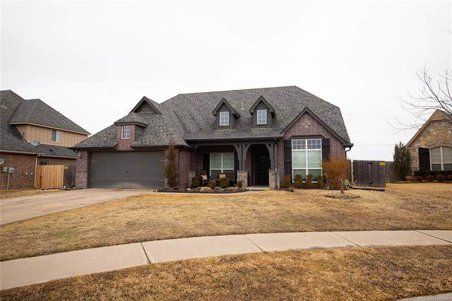 11217 S Lawrence Street, Jenks, OK 74037 (#2105251) :: Homes By Lainie Real Estate Group