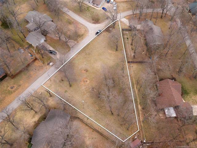 9782 E Forest Park Boulevard, Claremore, OK 74017 (MLS #2106007) :: Active Real Estate