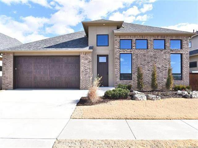 8505 S Phoenix Avenue, Tulsa, OK 74132 (MLS #2106506) :: Active Real Estate