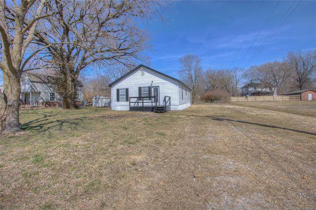517 W 10th Street, Chelsea, OK 74016 (MLS #2106864) :: Active Real Estate