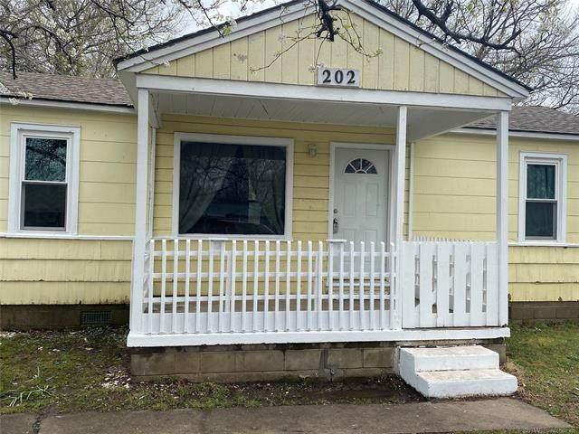 202 S Hereford Avenue, Dewey, OK 74029 (MLS #2107077) :: Active Real Estate
