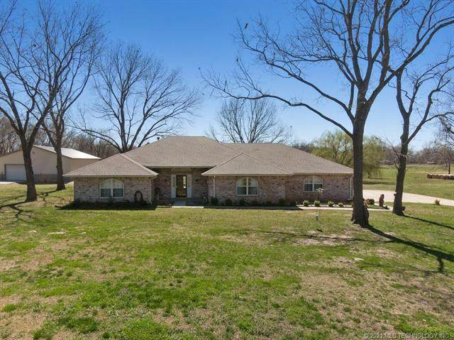 5242 E 545 Road, Locust Grove, OK 74352 (MLS #2107187) :: Active Real Estate