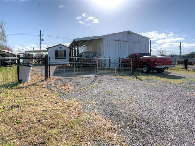 807 S Rockwood Avenue, Mounds, OK 74047 (#2107225) :: Homes By Lainie Real Estate Group