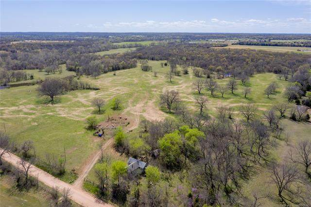 11357 N 367th Road, Okemah, OK 74868 (MLS #2107901) :: 918HomeTeam - KW Realty Preferred