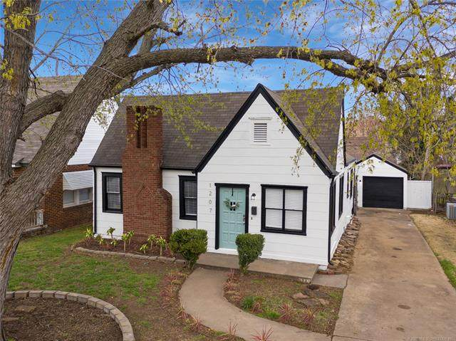 1207 S Gary Avenue, Tulsa, OK 74104 (MLS #2108103) :: Active Real Estate