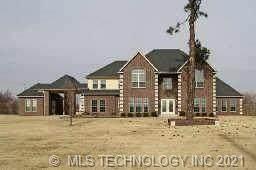 1801 E 46th Street North N, Tulsa, OK 74130 (MLS #2110429) :: 580 Realty