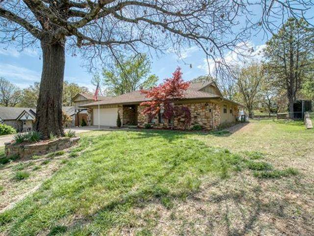 1200 E 9th Street, Sand Springs, OK 74063 (MLS #2110644) :: RE/MAX T-town