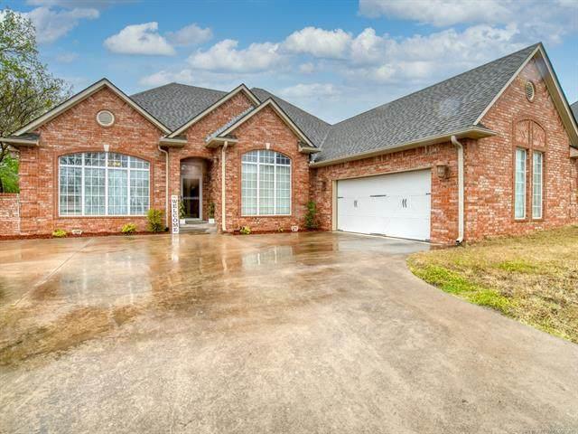 1922 Muirfield, Ada, OK 74820 (MLS #2111283) :: Active Real Estate