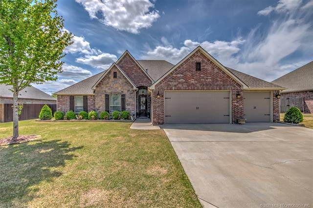 5615 Cooper Court, Bartlesville, OK 74006 (MLS #2111788) :: Active Real Estate
