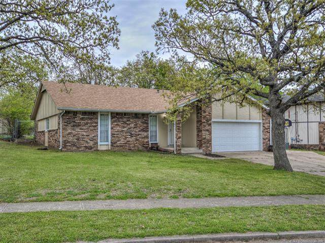 3107 Howard Street, Sand Springs, OK 74063 (MLS #2111942) :: Active Real Estate