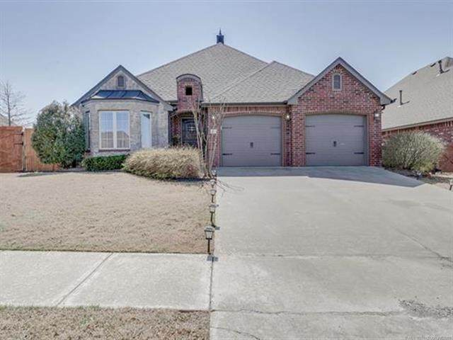 4734 E 146th Street, Bixby, OK 74008 (MLS #2112638) :: Active Real Estate