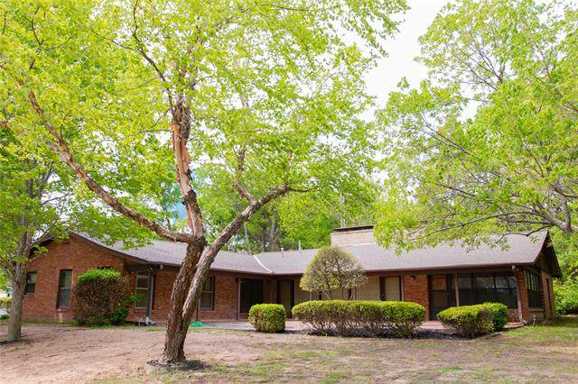 1000 S Townsend Drive, Ada, OK 74820 (MLS #2112655) :: Active Real Estate